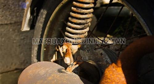 Rỉ sét xe máy cần được phòng chống để tránh gây hại đến vẻ đẹp, độ bền của xe