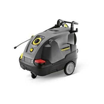 Dùng máy rửa xe hơi nước nóng để dọn nội thất ô tô