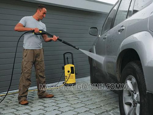 Máy rửa xe mini là thiết bị được nhiều người dùng lựa chọn