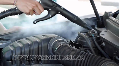 Rửa xe máy siêu sạch bằng hơi nước nóng