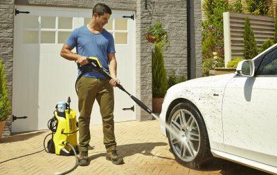 Máy rửa xe mini thường có thiết kế nhỏ gọn dễ dàng di chuyển