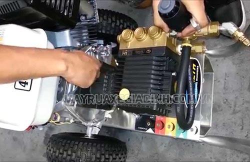 Người dùng không nên tự ý sửa chữa máy rửa xe cao áp khi không được trang bị kiến thức đầy đủ