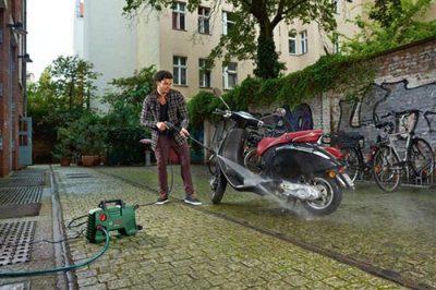 Máy xịt rửa xe chuyên nghiệp