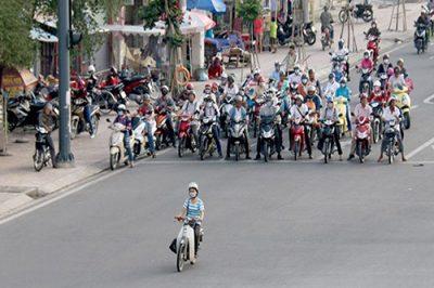 Vượt đèn đỏ là hành vi vi phạm luật giao thông