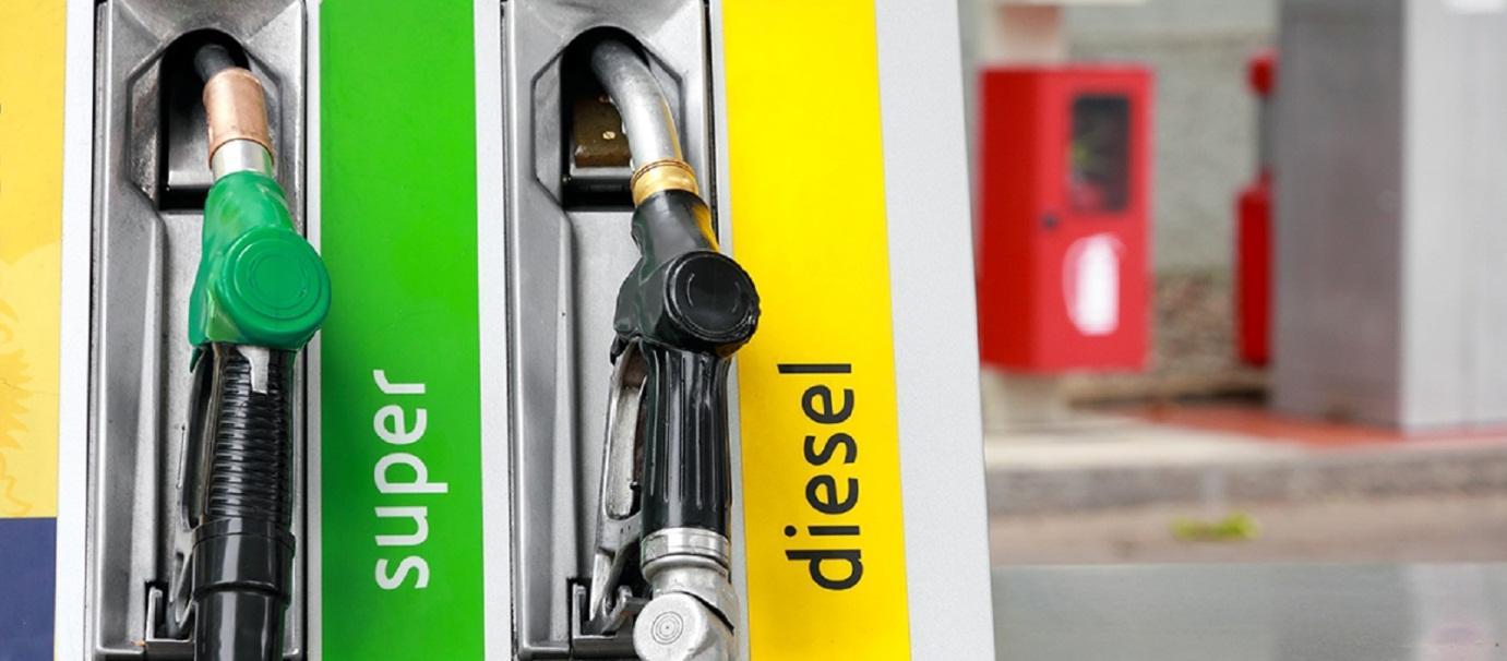 Động cơ sử dụng xăng khác động cơ sử dụng dầu (diesel)