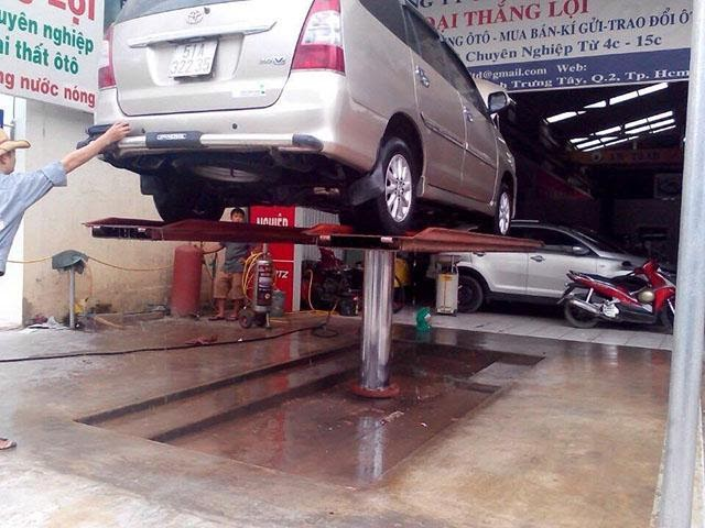 Cầu nâng rất quan trọng trong một tiệm rửa xe chuyên nghiệp