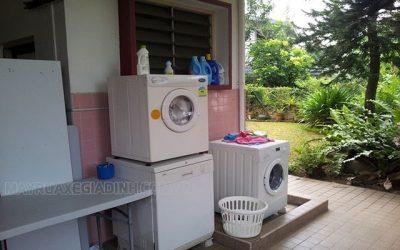 máy giặt kêu két két