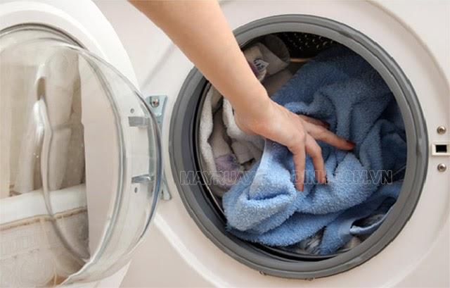 máy giặt không giặt được