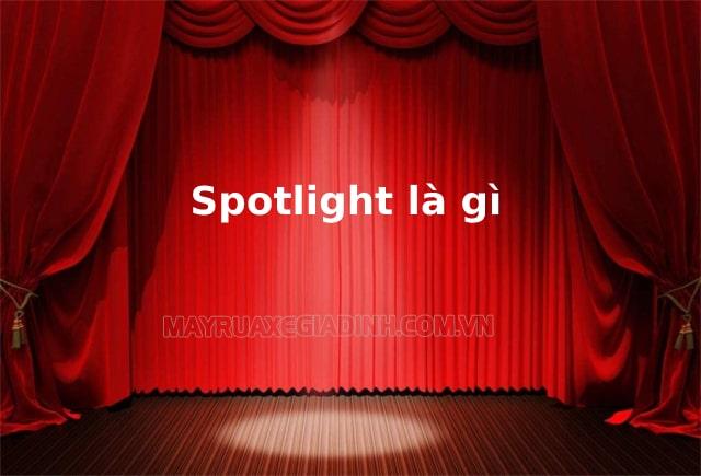 Đèn spotlight dùng trên sân khấu ca nhạc